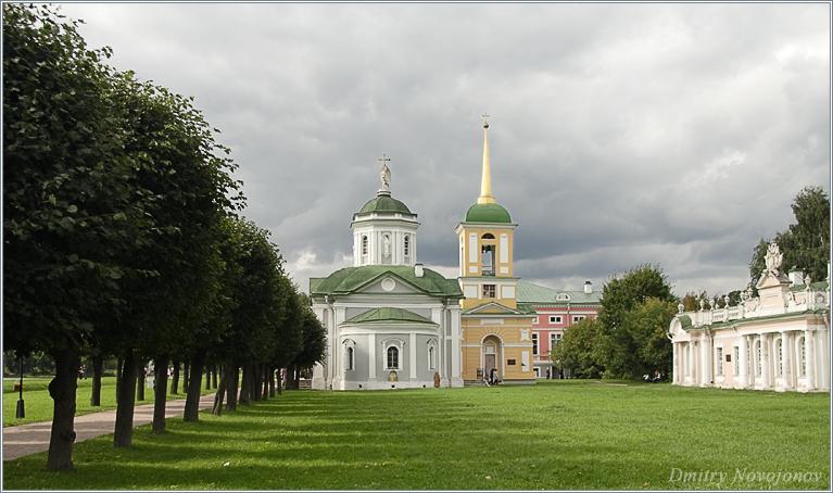 Кусково : Современной архитектуре всегда не хватает одной важной черты, вкуса (Фотограф Дмитрий Новоженов)